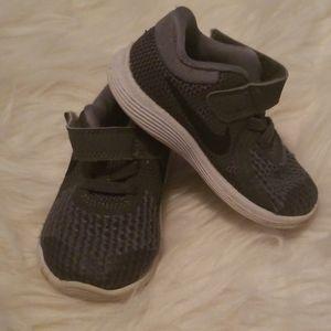 Grey toddler Nike sneakers size 5